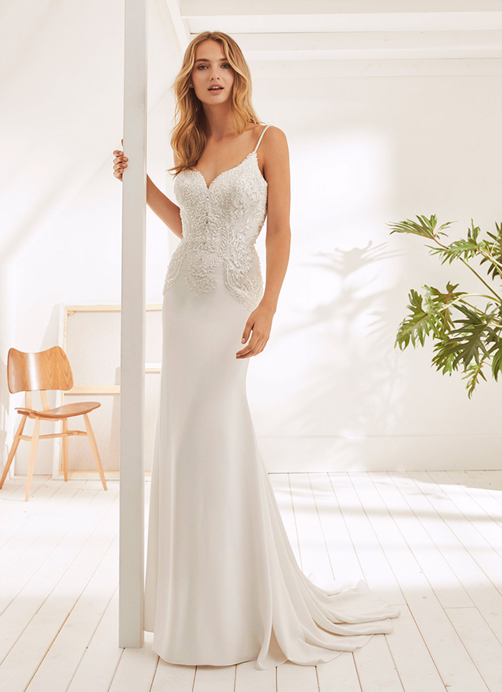 essencia-novias-pronovias-group-white-one-OAKES outlet