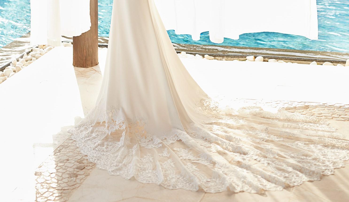 5N112_1_ZANYA Adriana Alier Rosa Clara Essencia Novias coleccion 2021 vestido de novia sevilla