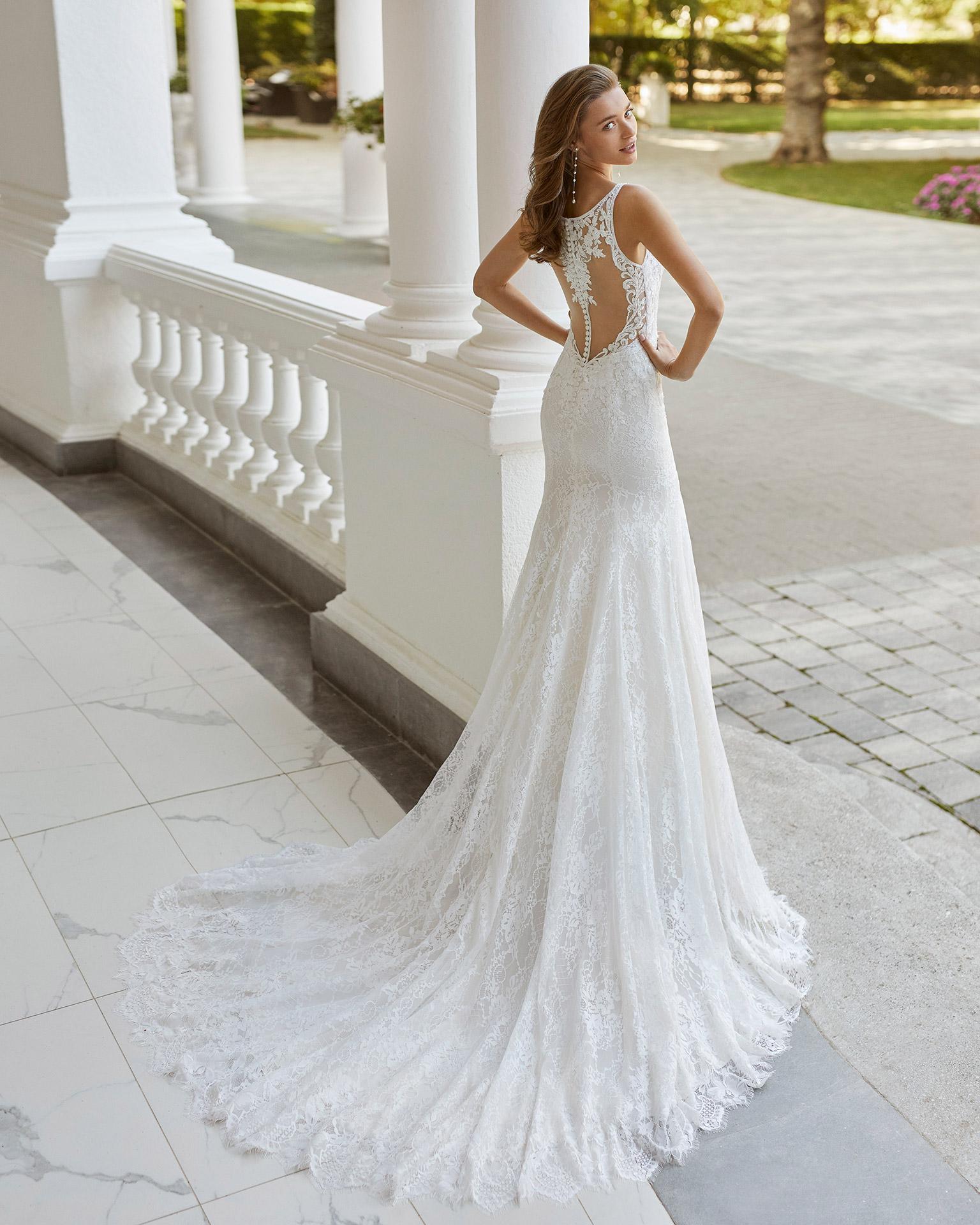 Adriana Alier modelo Saona colección 2022 rosa clará essencia novias