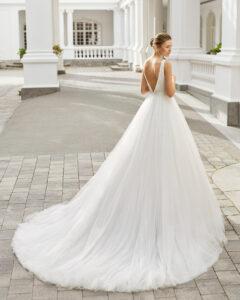 Adriana Alier Modelo Selma colección 2022 rosa clará essencia novias