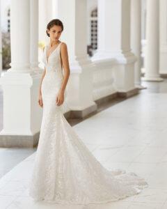 Adriana Alier modelo Sany rosa clará colección 2022 essencia novias